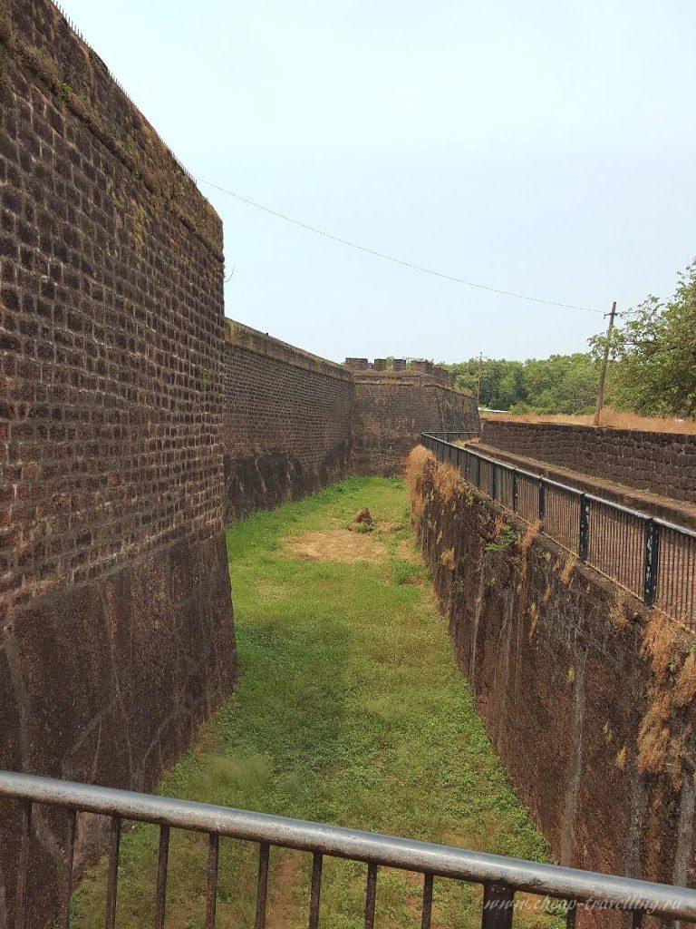 Высокая Стена форта Агуада