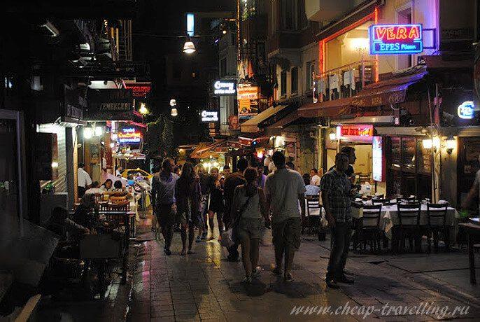 Ночные улочки Стамбула