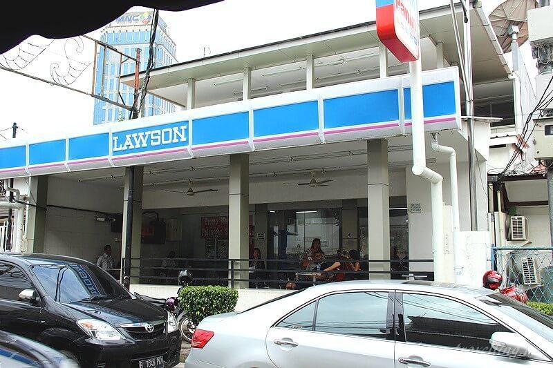 Кафе Lawson в Джакарте