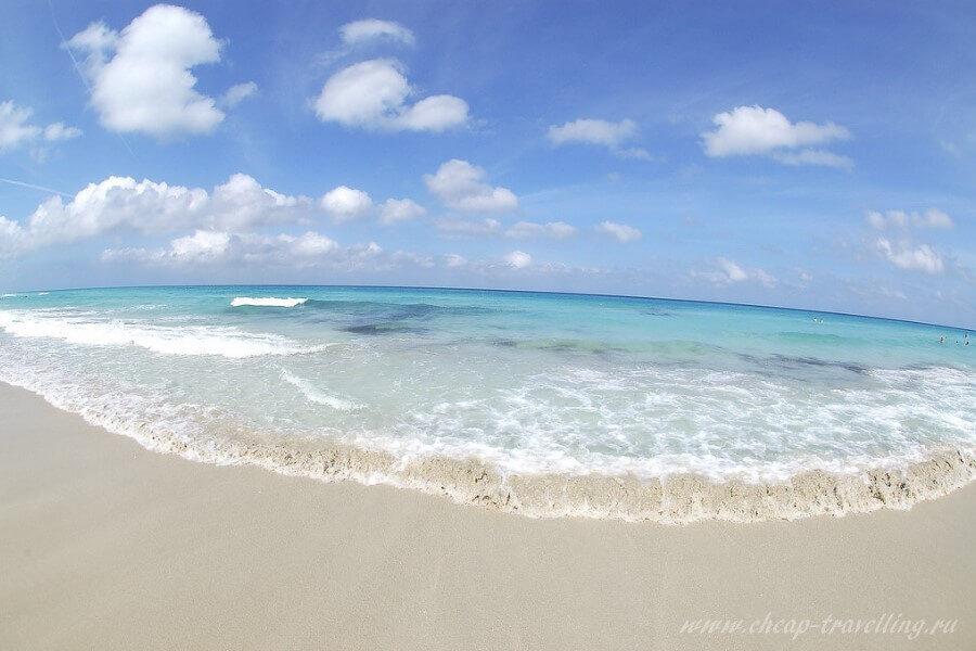 Пляж Доминиканы в Августе