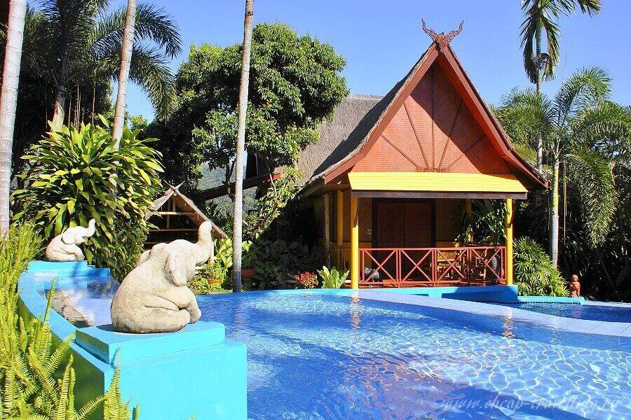 Домик с бассейном в Тае