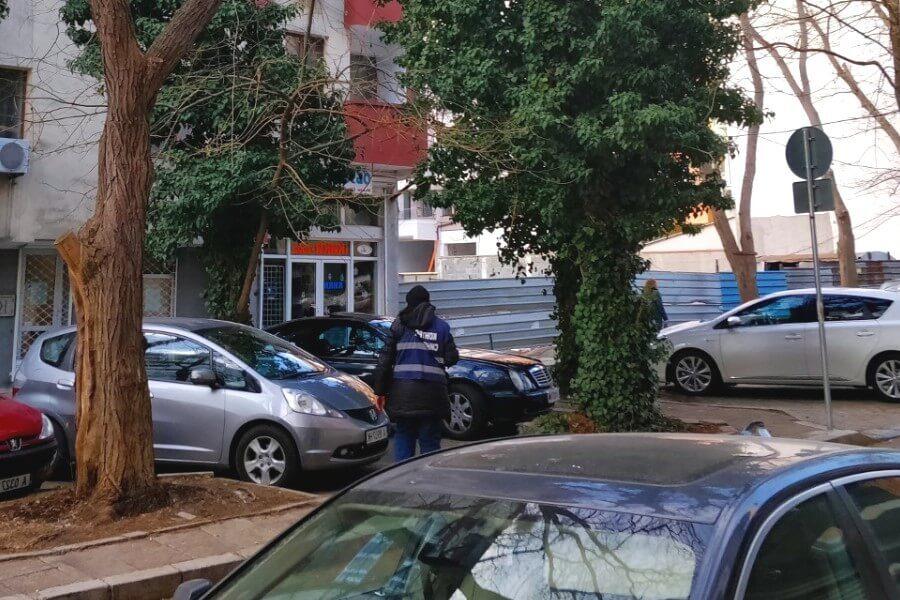 Платная парковка на улице Варны