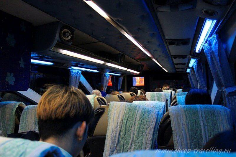 Автобус до Нонгкхая